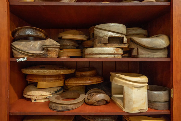 Hat-making molds