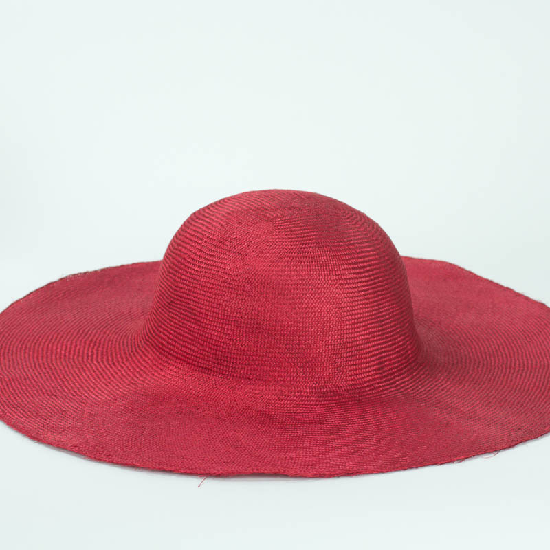 Scarlet Red Grade One body. Finely woven straw with sheen,