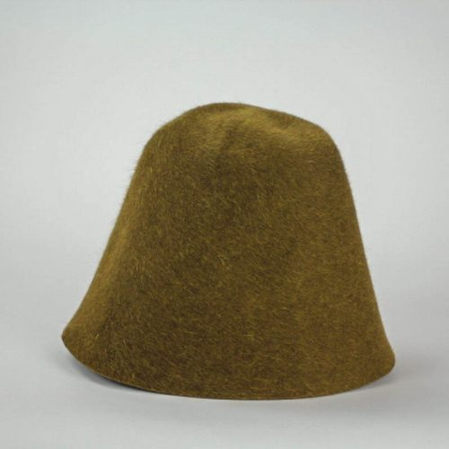 A bronze brown salome hood. Salome is a heather fur felt.