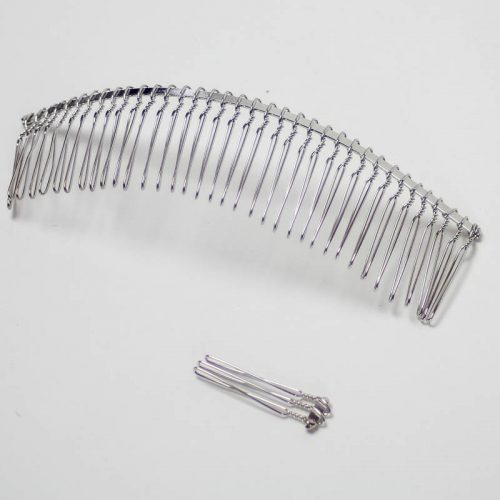 Metal 3 tooth Comb Use alone or with elastic looping.