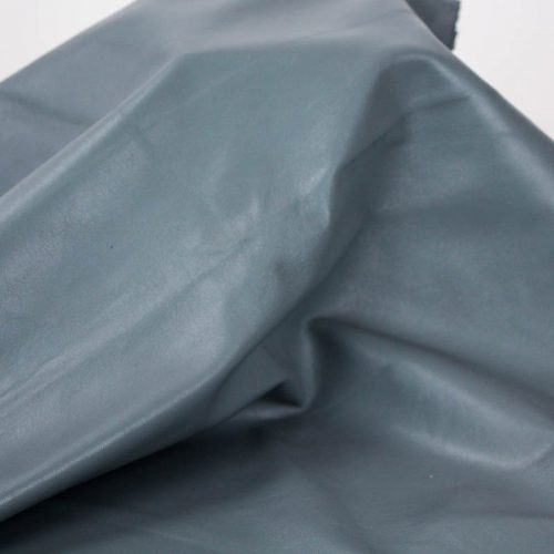 Grey Skies shade nice finish. Supple and soft leather, thickness of .60mm-.65mm, and blockable. Dyed all the way through.